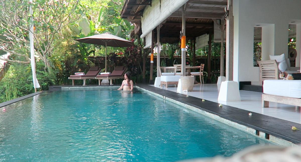 villa shamballa going in for a swim