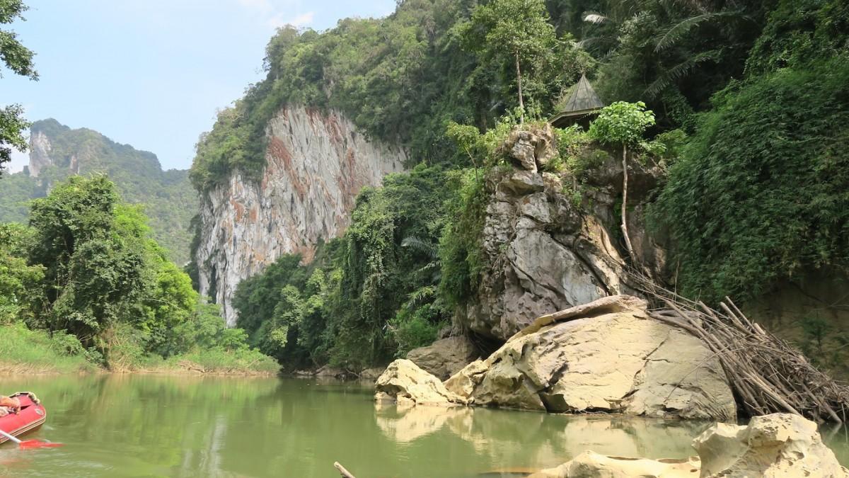 Canoe ride Khao Sok River