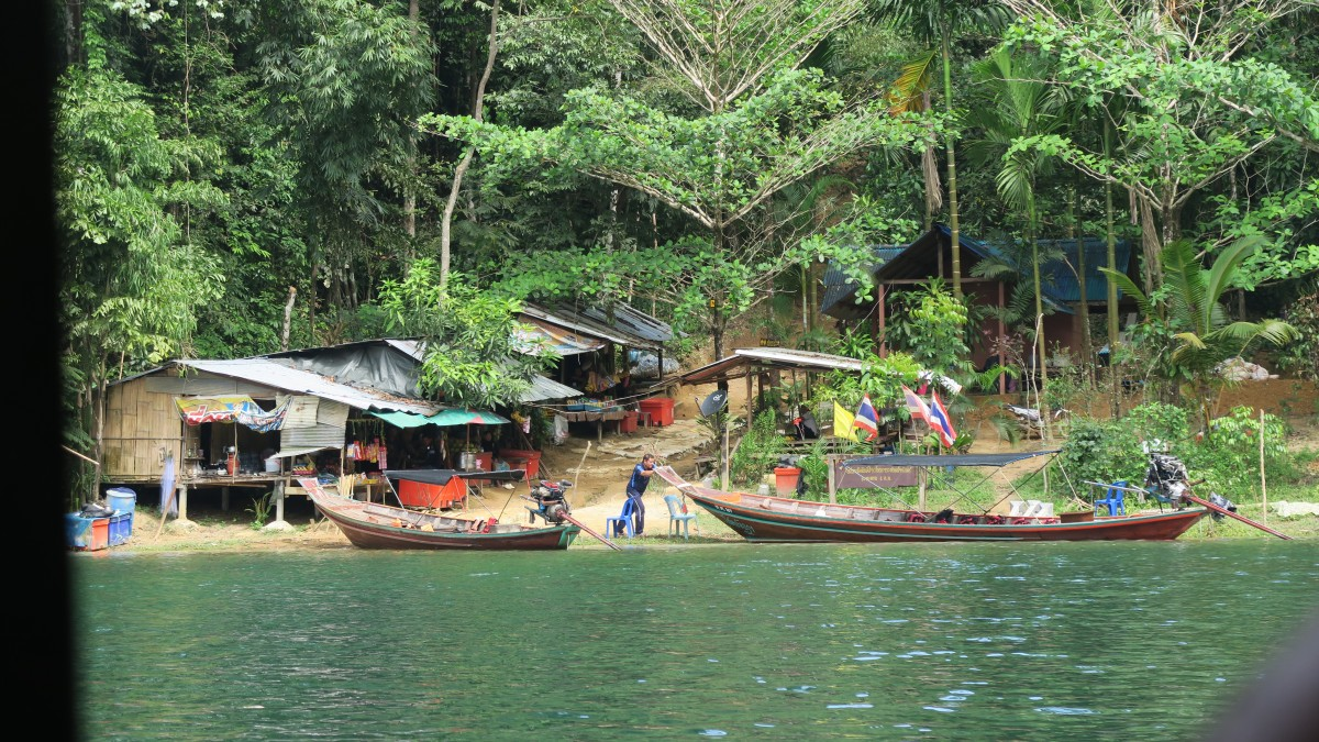 Khao Sok raft and cave tour